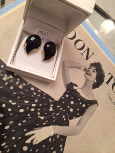 1940s black earrings